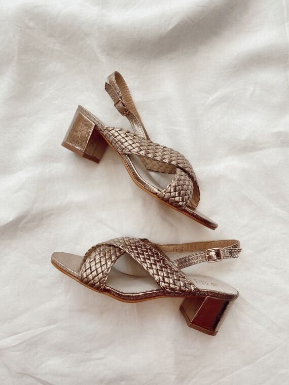 Heeled sandals crossed straps ALMA in gold