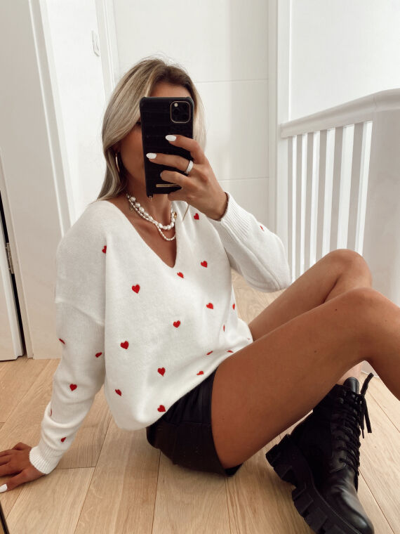 Soft jumper with heart pattern PRAIRIE in white