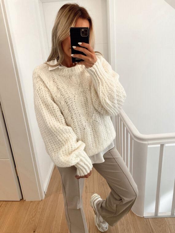 Knitted jumper FORTUNATE in ecru