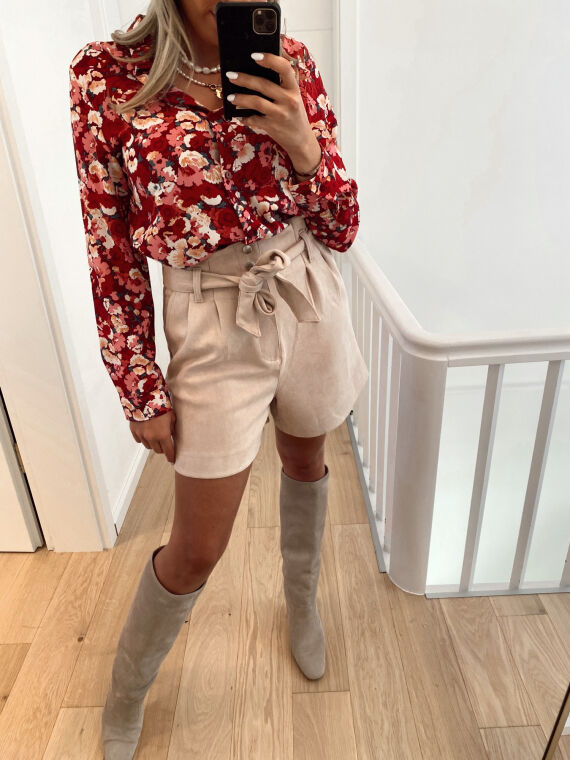 High-waisted belted shorts in suede AVENIR pinkish beige