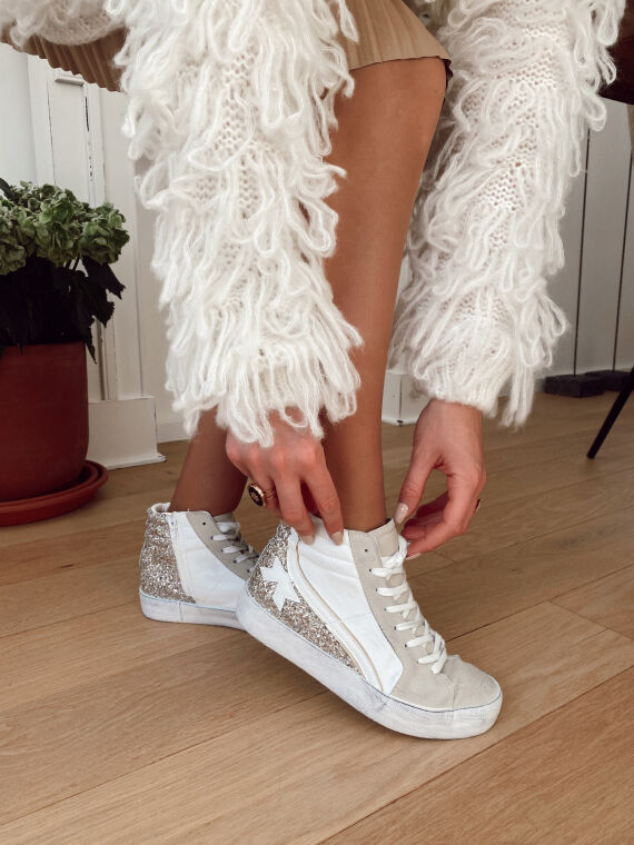 High top trainers with netting  BOWY in white