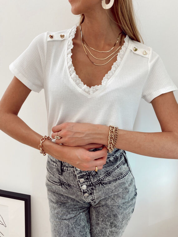 Ribbed T-shirt with lace collar and heart buttons TIF in white