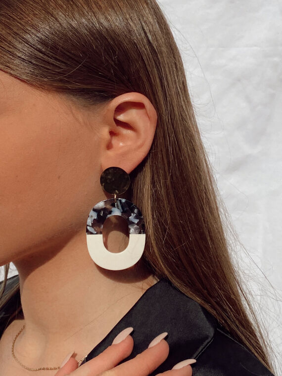 Drop earrings NEVER in black and gold plated