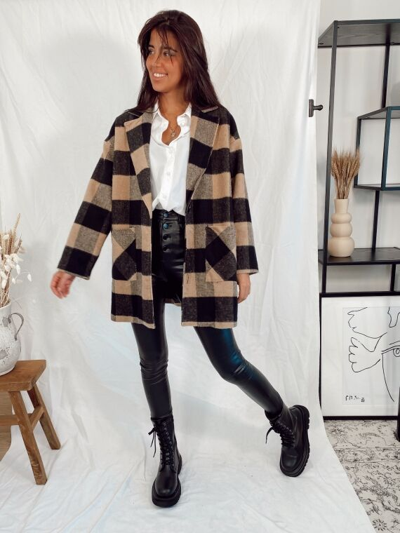 Coat with large checks LIBRA in white/ camel