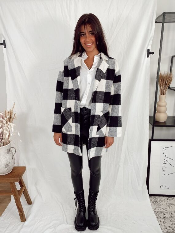 Coat with large checks LIBRA in white/black