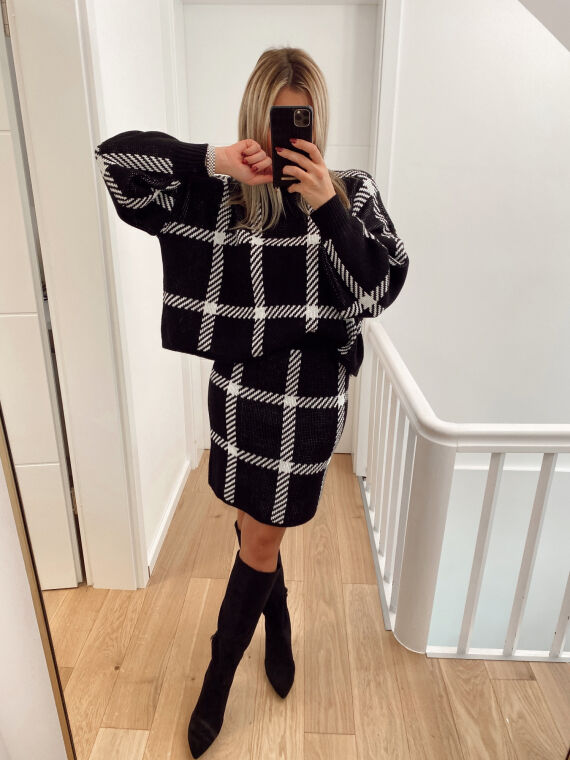 Checked knit skirt and jumper set CAMSA in black