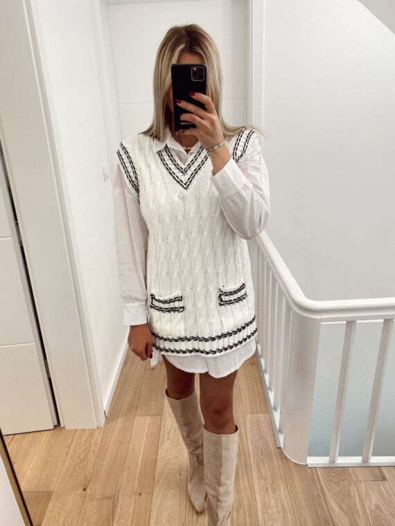 Long sleeveless knitted jumper ECHO in white