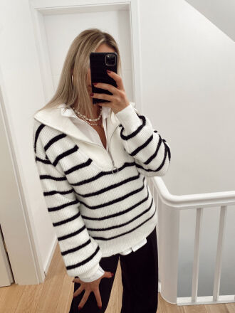 Sailor's high neck jumper with sailor's zip MECCA in white