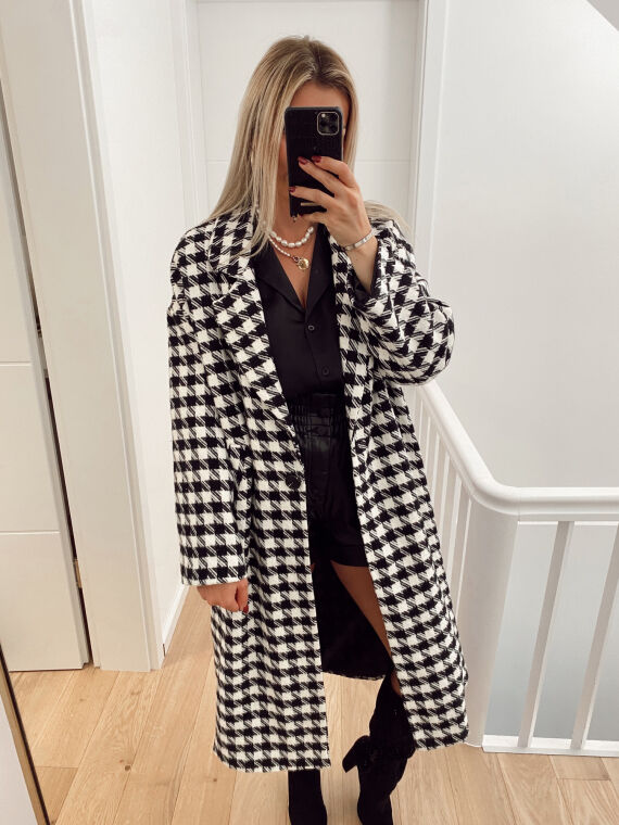 Long houndstooth coat VOICE in black and white