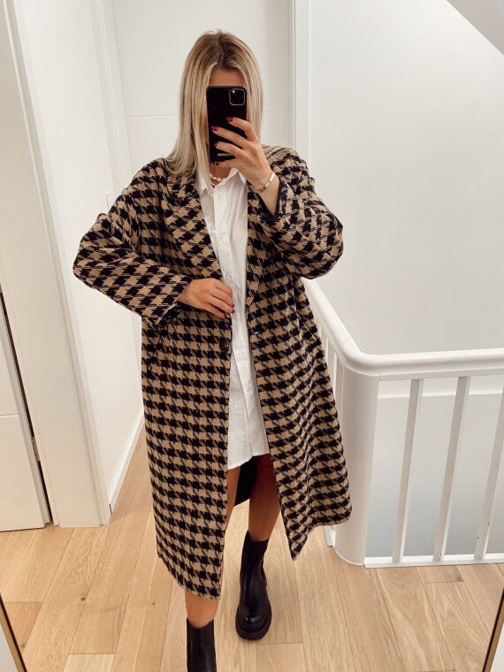 Long houndstooth coat VOICE in black and camel