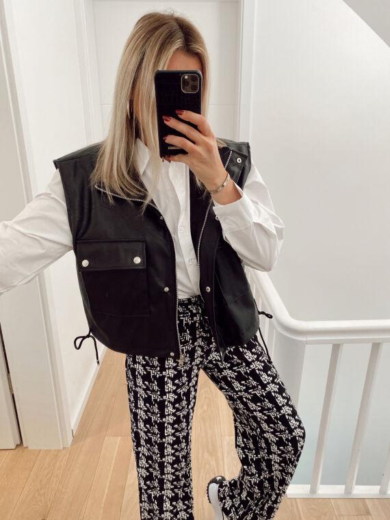 Sleeveless leatherette cargo jacket BUSTER in black